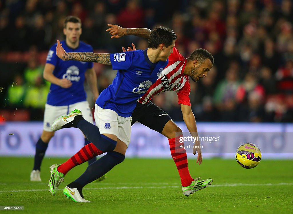 Muhamed Besic of Everton and Ryan Bertrand of Southampton battle for the ball during the Barclays Premier League match between Southampton and Everton at St Mary's Stadium on December 20, 2014 in Southampton, England.