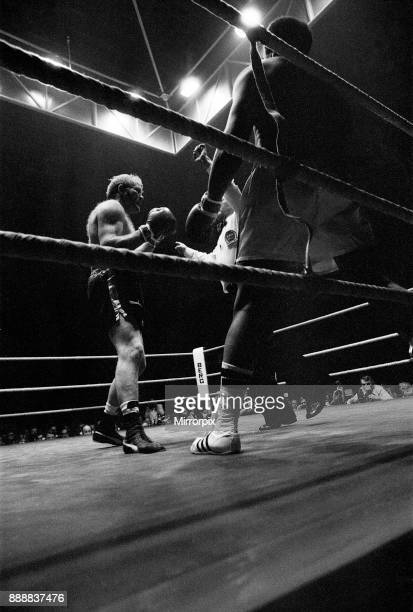 Muhammad Ali vs Richard Dunn at the Olympiahalle Munich Germany The Referee stopped the contest in the fifth round as Dunn was unable to continue...
