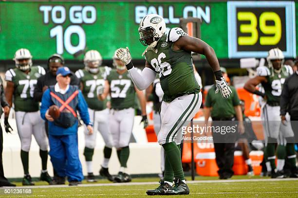 Muhammad Wilkerson of the New York Jets celebrates after sacking Marcus Mariota of the Tennessee Titans in the second quarter during their game at...