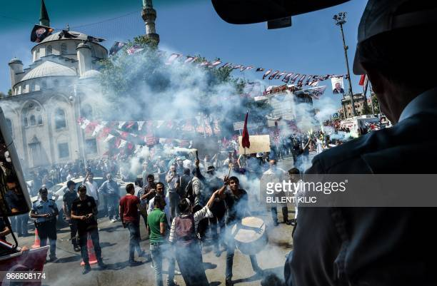 TOPSHOT Muharrem Ince presidential candidate of the main opposition Republican People's Party arrives at the rally in Istanbul on June 3 2018...