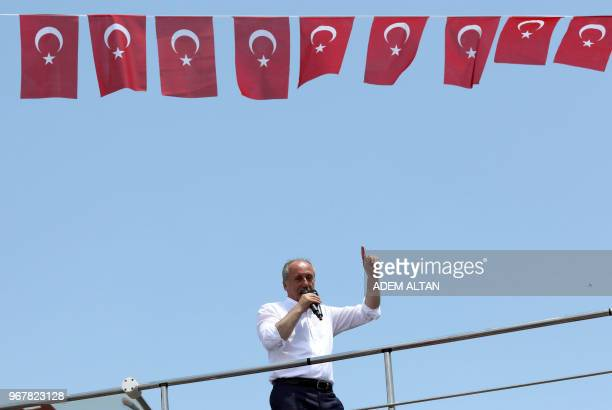 Muharrem Ince presidential candidate of the main opposition Republican People's Party delivers a speech at a rally in Ankara on June 5 2018 The...