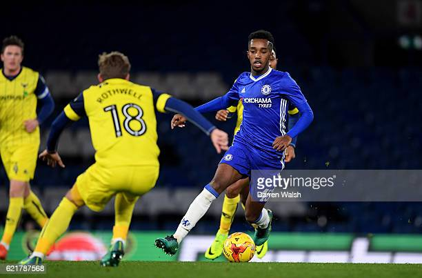 Mukhtar Ali of Chelsea and Joe Rothwell of Oxford United during a Checkatrade Trophy match between Chelsea and Oxford United at Stamford Bridge on...