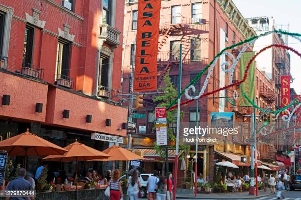 mulberry street in the little italy section of lower manhattan, nyc. - mulberry street stock pictures, royalty-free photos & images