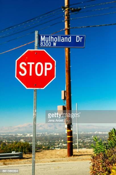 mulholland drive street sign - sherman oaks - fotografias e filmes do acervo