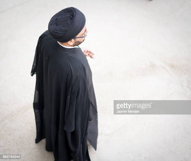 mullah with traditional religious clothes - shi'ite islam stock pictures, royalty-free photos & images