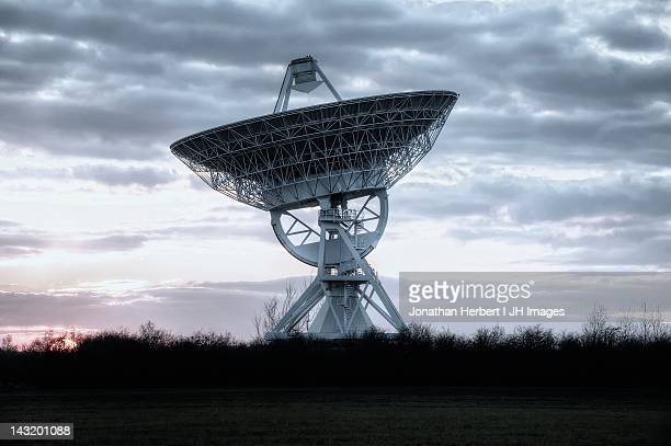 mullard radio astronomy observatory - receiver stock pictures, royalty-free photos & images