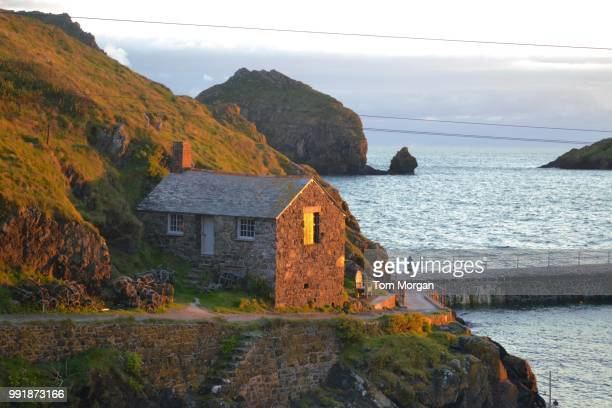 mullion cove, cornwall - tom mullion stock pictures, royalty-free photos & images
