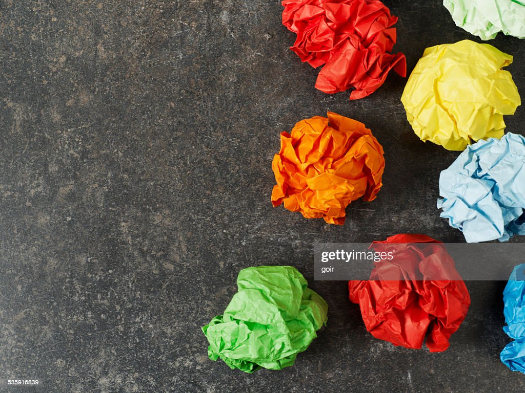 Multi-colored bolas de papel : Foto de stock