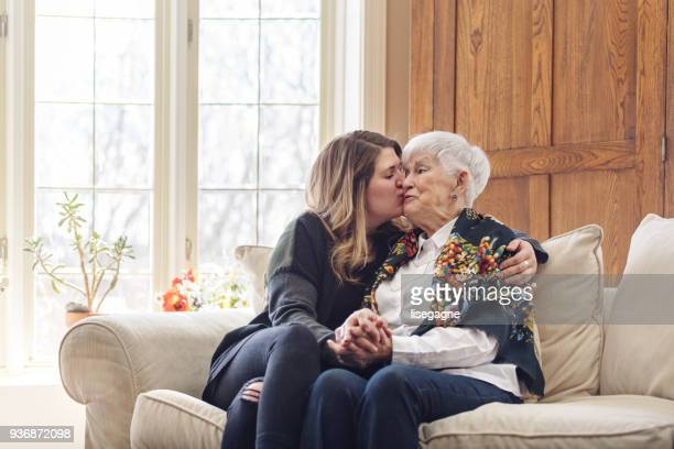Famille de plusieurs génération célébrant la fête des mères
