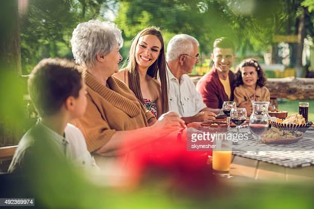 多世代家族でお楽しみいただける、レストランとコミュニケーションを取り合うことです。