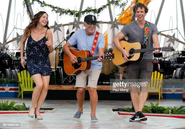 Multiplatinum selling music legend Jimmy Buffett rehearses before the show with the Broadway cast of the new musical ESCAPE TO MARGARITAVILLE at the...