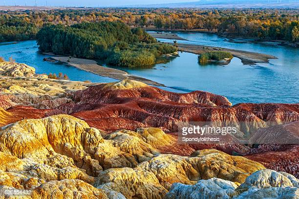 multiple color beach near berjin, xinjiang, china - uygur culture photos et images de collection