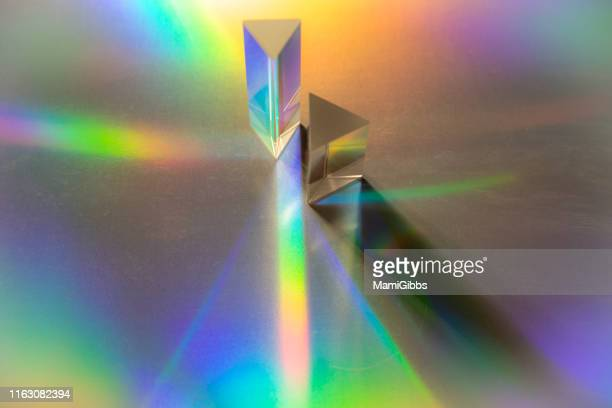 multiple prisms reflecting light - 光の現象 ストックフォトと画像
