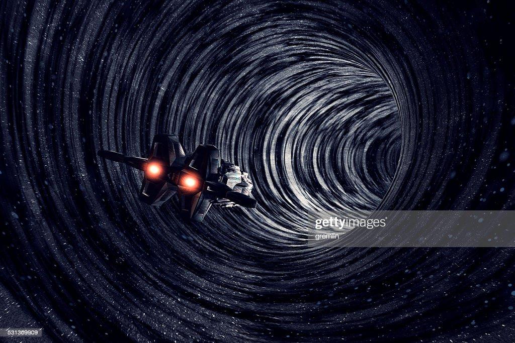 ブラックホールと宇宙船画像