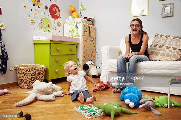 mum, daughter, screaming, bedroom