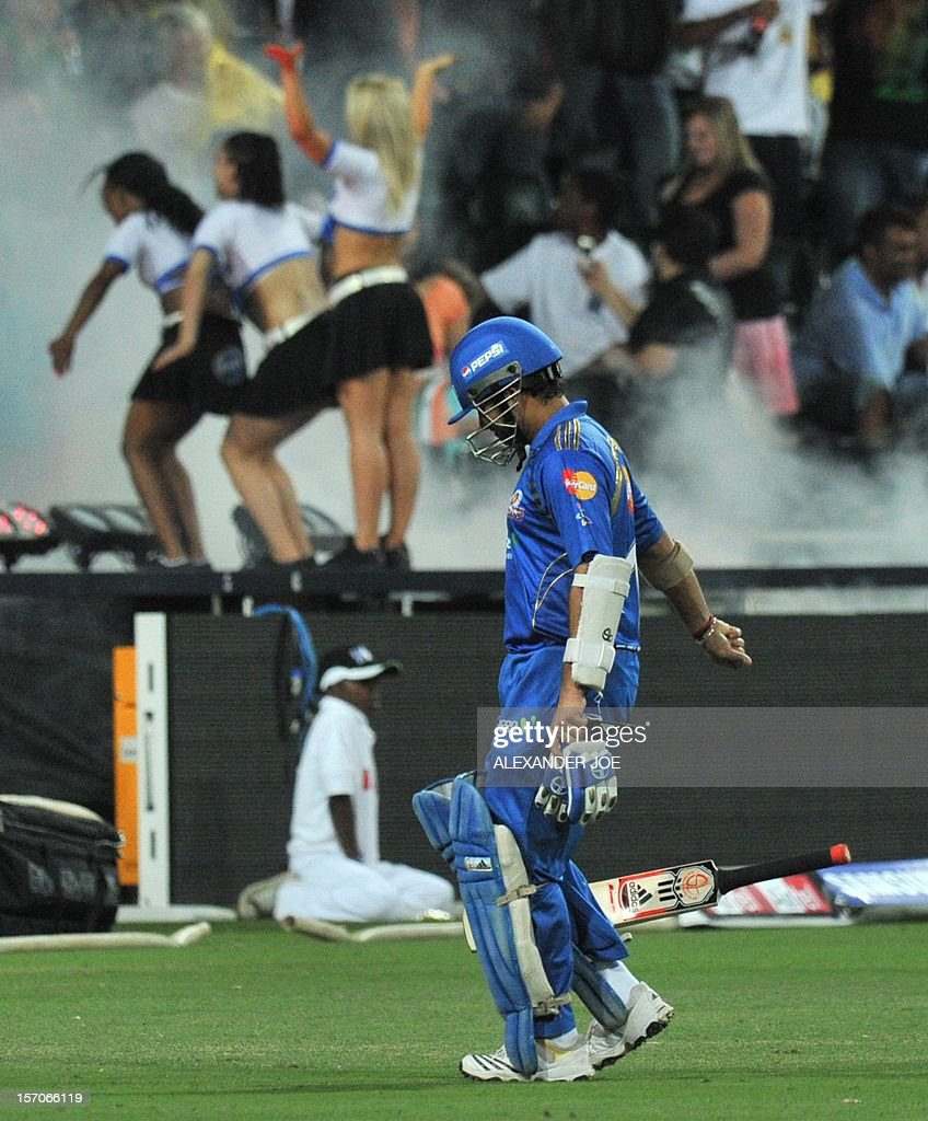 CRICKET-RSA-CLT20-MUMBAI INDIANS-HIGHVELD LIONS : News Photo