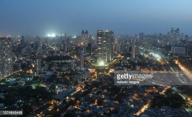 mumbai skyline at dusk - mumbai stock pictures, royalty-free photos & images