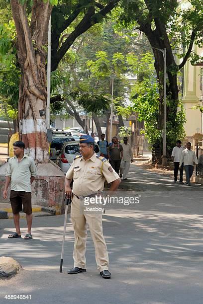 mumbai traffic cop - maharashtra stock pictures, royalty-free photos & images