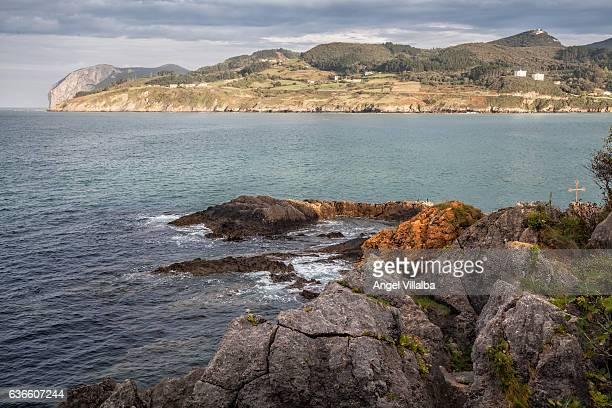 Mundaka estuary. In the background the cape of Ogoño