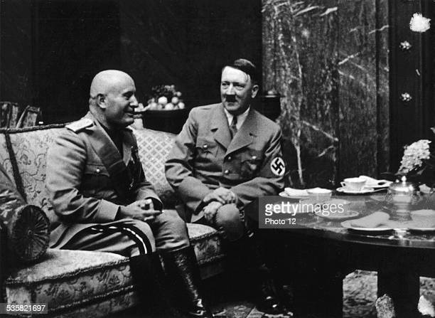 Munich Mussolini et Hitler at tea time Germany