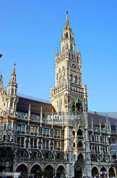 munich. town hall with münchner kindel on the tower top. - marienplatz stock pictures, royalty-free photos & images