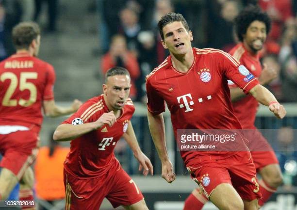 Munich's Thomas Mueller Franck Ribery Mario Gomez and Dante celebrate during the UEFA Champions League semi final first leg soccer match between FC...