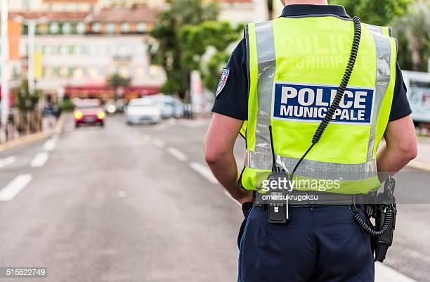 police municipale à cannes, france - police photos et images de collection