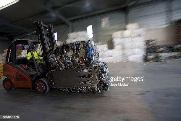 municipal waste management - オーバーニュ ストックフォトと画像