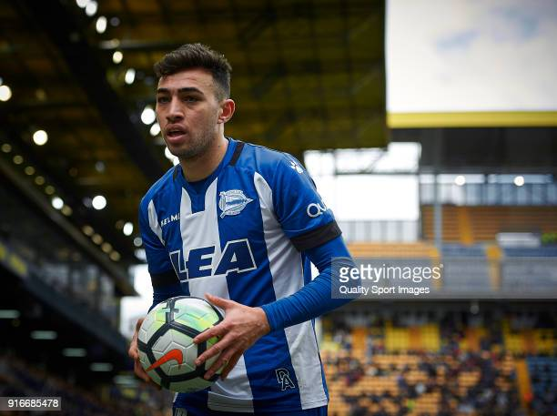 Munir El Haddadi of Deportivo Alaves looks on during the La Liga match between Villarreal and Deportivo Alaves at Estadio de la Ceramica on February...