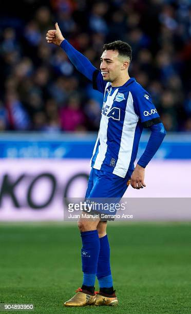 Munir El Haddadi of Deportivo Alaves reacts during the La Liga match between Deportivo Alaves and Sevilla FC at Mendizorroza stadium on January 14...
