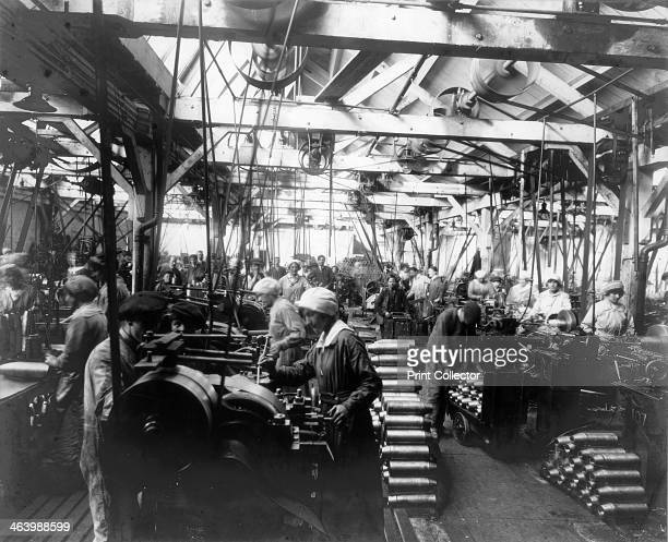 Munitions factory London World War I 19141918
