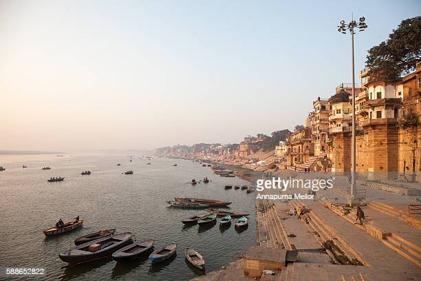 munshi ghat in the early morning, varanasi, india - ganges river stock pictures, royalty-free photos & images