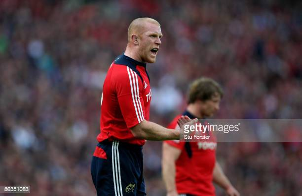 Munster captan Paul O'Connell urges on his players during the Heineken Cup Semi Final between Munster and Leinster at Croke Park on May 2 2009 in...
