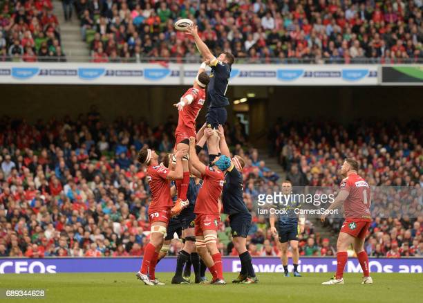 Munster's Peter O'Mahony claims the lineout during the Guinness PRO12 Final match between Munster and Scarlets at the Aviva Stadium on May 27 2017 in...