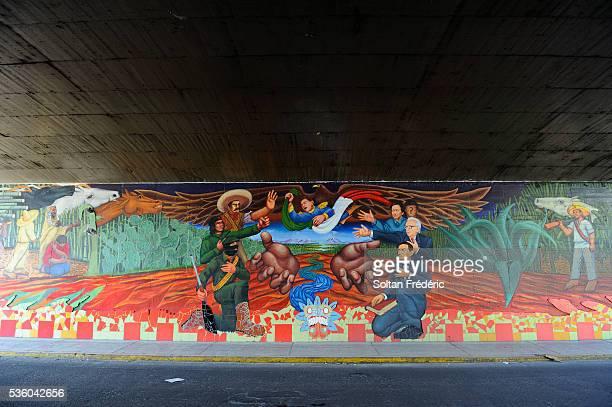 mural in mexico - emiliano zapata photos et images de collection