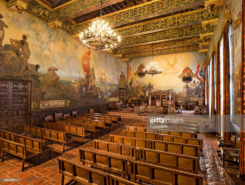 Mural room inside Santa Barbara County Courthouse : Foto de stock