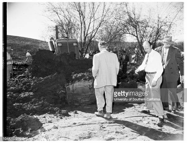 Murder 27 January 1952 Robert L Pennington Garner Brown A E Gallagher Ray Pinker John Barnes Floyd Rosenberg Don Chase Owen Kissinger Mudcovered body...