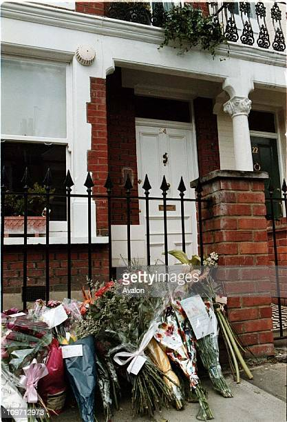 Murder Of Jill Dando Flowers left by mourners outside the home of the murdered TV Presenter Jill Dando Jill was killed with a single shot to the head...