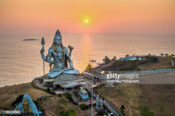murdeshwar temple - shiva stock pictures, royalty-free photos & images