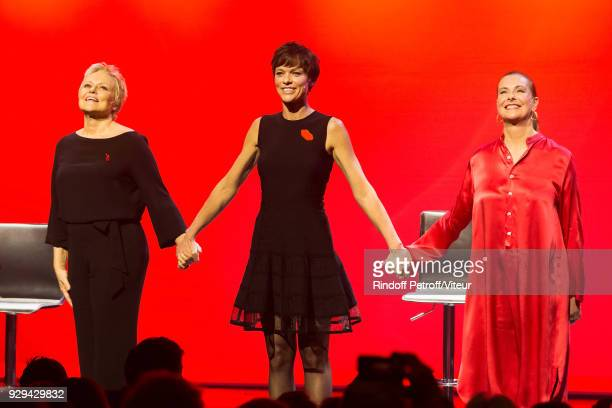 Muriel Robin Anne Le Nen and Carole Bouquet Perform 'Les Monologues du Vagin' during 'Paroles Citoyennes 10 shows to wonder about the society' at...