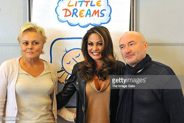 Muriel Robin Orianne Collins and Phil Collins pose during the Little Dreams Foundation 10th Anniversary Press Conference on October 21 2010 in Geneva...