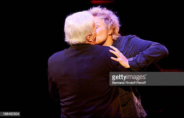 Muriel Robin suprises him by joining him on the stage for the sketch La Drague Guy Bedos comes back 20 years later to La Scene Du Cirque D'Hiver to...
