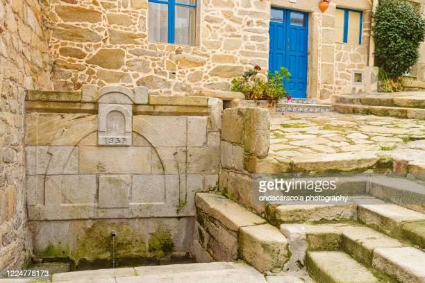 muros town in spain - 石造りの家 ストックフォトと画像