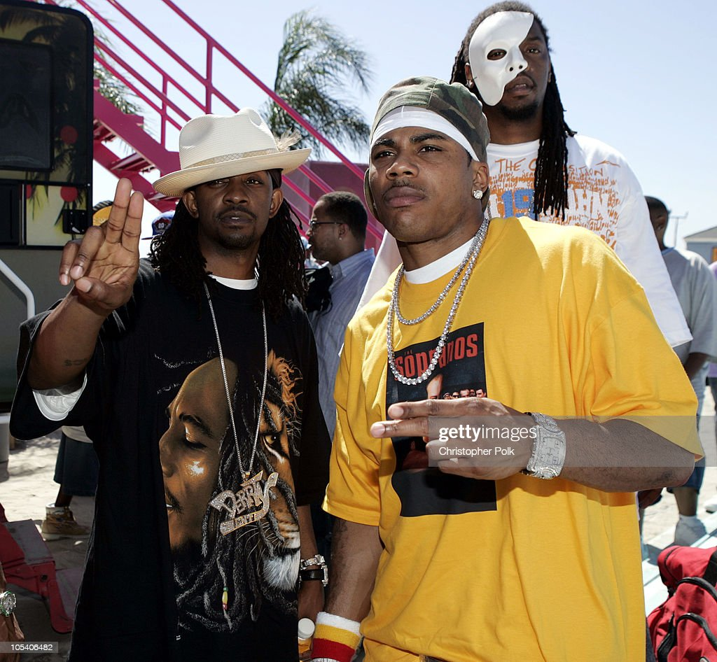 "Nelly and Murphy Lee Perform at MTV's ""Summer on the Run"" Beach House 2004 : News Photo"