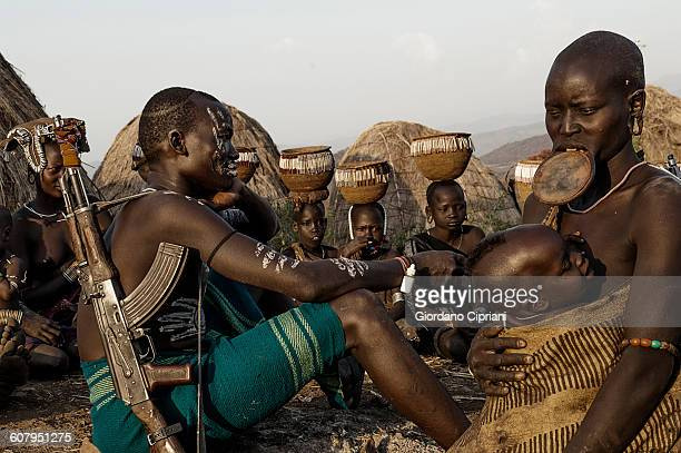 mursi tribe, omo valley, ethiopia - mursi tribe stock pictures, royalty-free photos & images