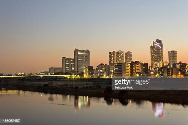 musashi-kosugi area along tama river - 川崎市 ストックフォトと画像