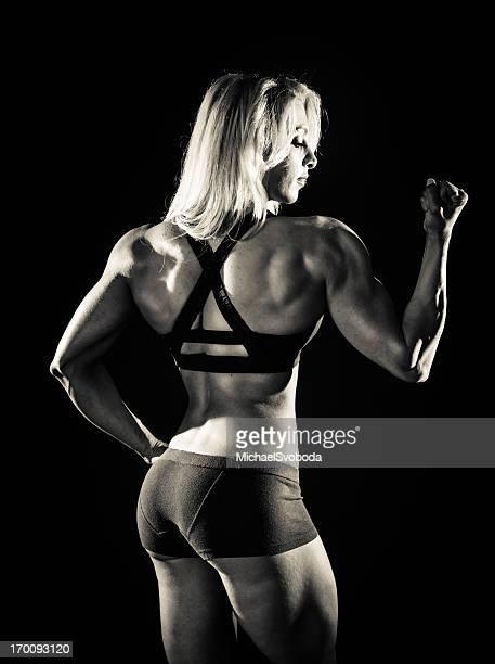 garota muscular - silhueta de corpo feminino preto e branco - fotografias e filmes do acervo