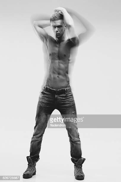muscular man - chico desnudo cuerpo entero fotografías e imágenes de stock