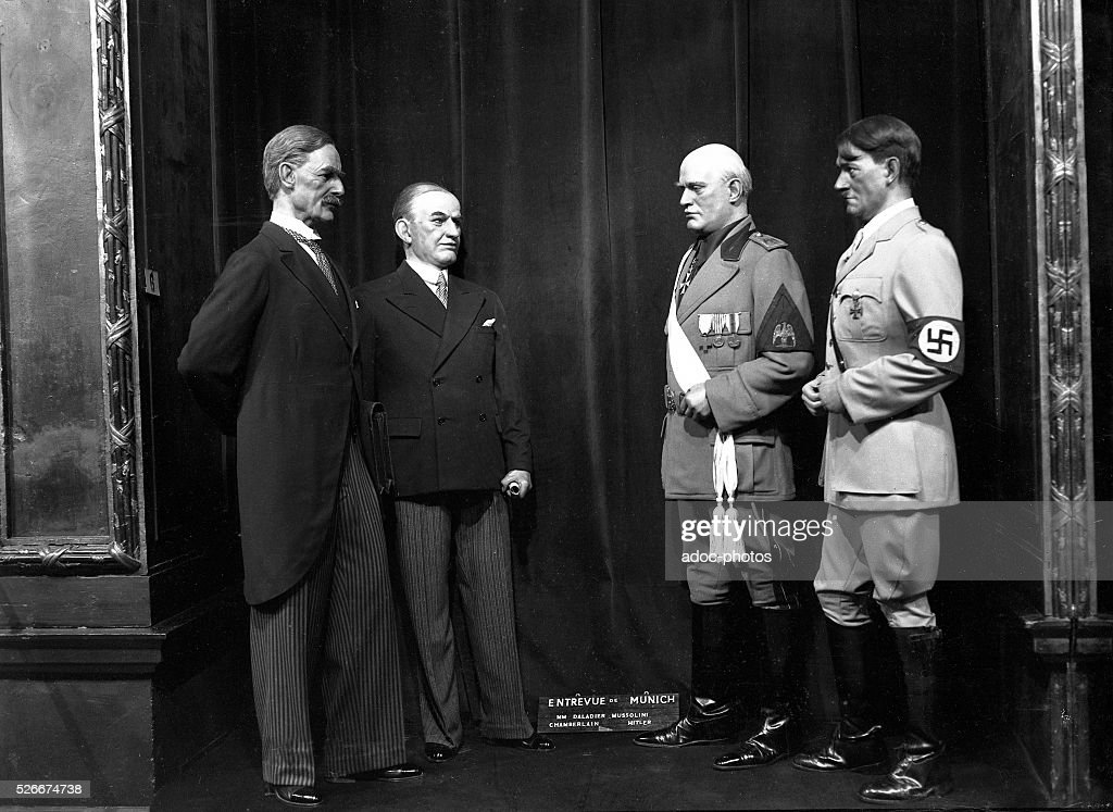 Mus��e Gr��vin (Paris, France). Characters of Daladier, Chamberlain, Mussolini and Hitler : Nieuwsfoto's