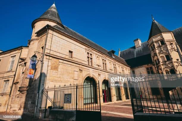 musee esteve, bourges, auvergne, france - bourges imagens e fotografias de stock